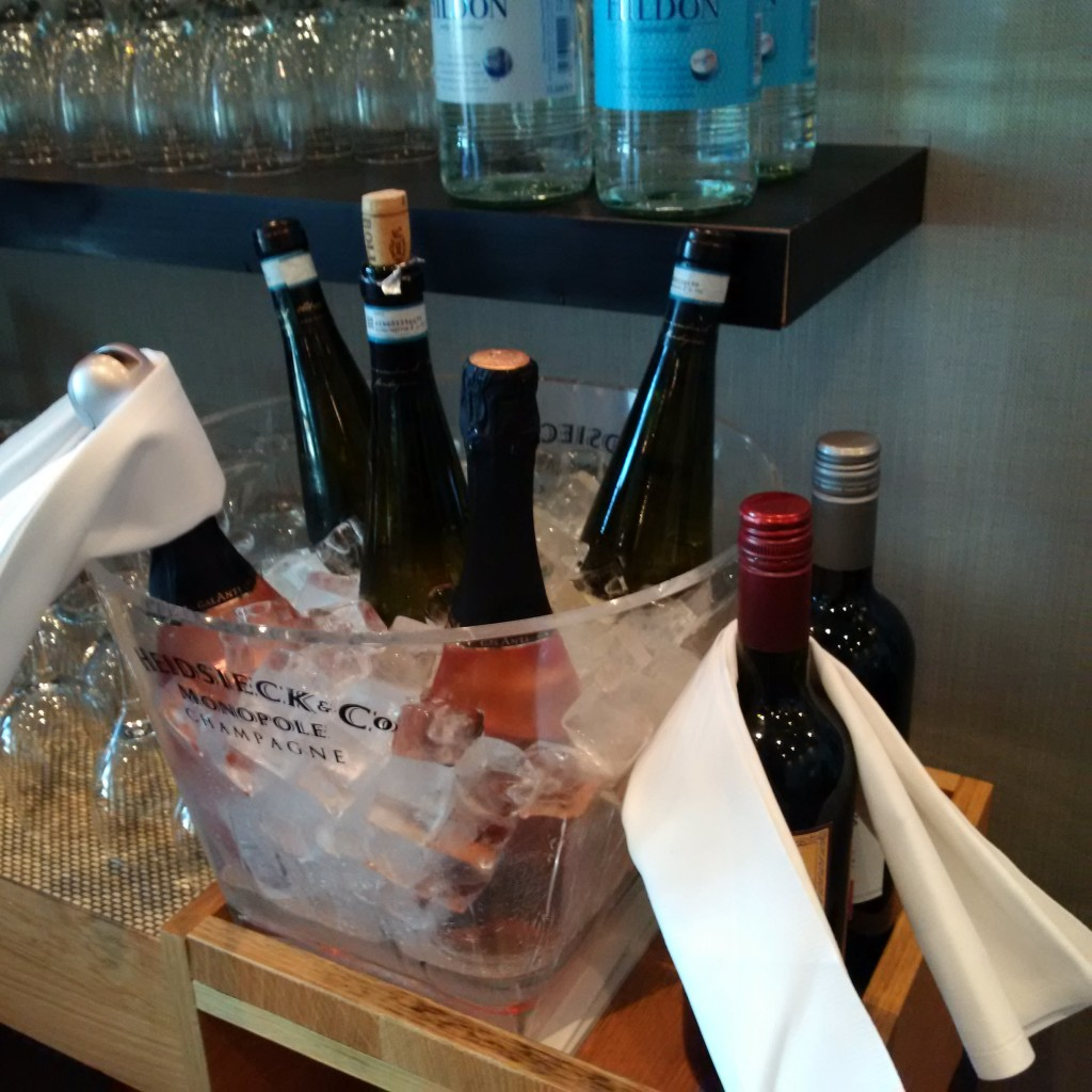 Wein und Sekt während der Cocktail Hour