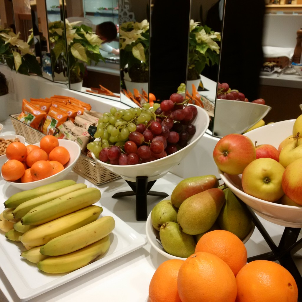 LOT Elite Club Lounge: Obst
