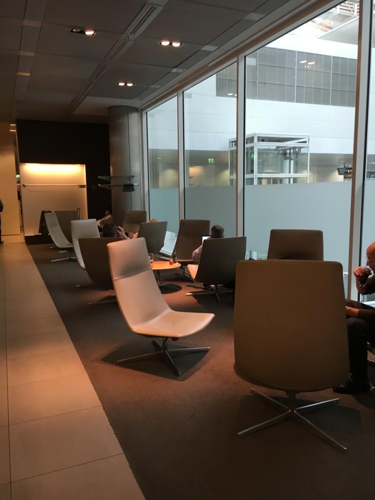 Lufthansa Senator Lounge München Non Schengen Sitzmöglichkeiten