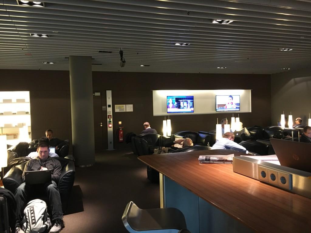 Lufthansa Senator Lounge München Non Schengen Sessel