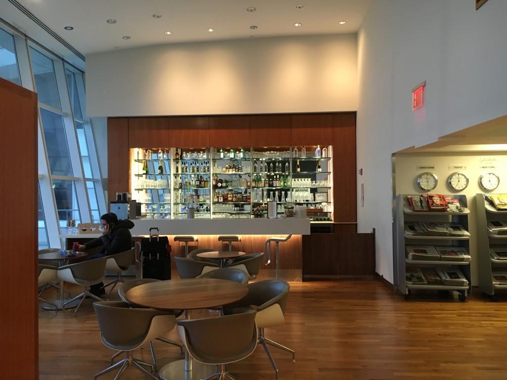 Lufthansa Senator Lounge New York JFK Bistrobereich