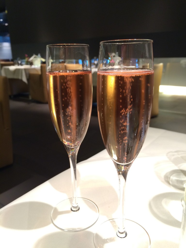 Lufthansa Business Class - Champagner im FCT