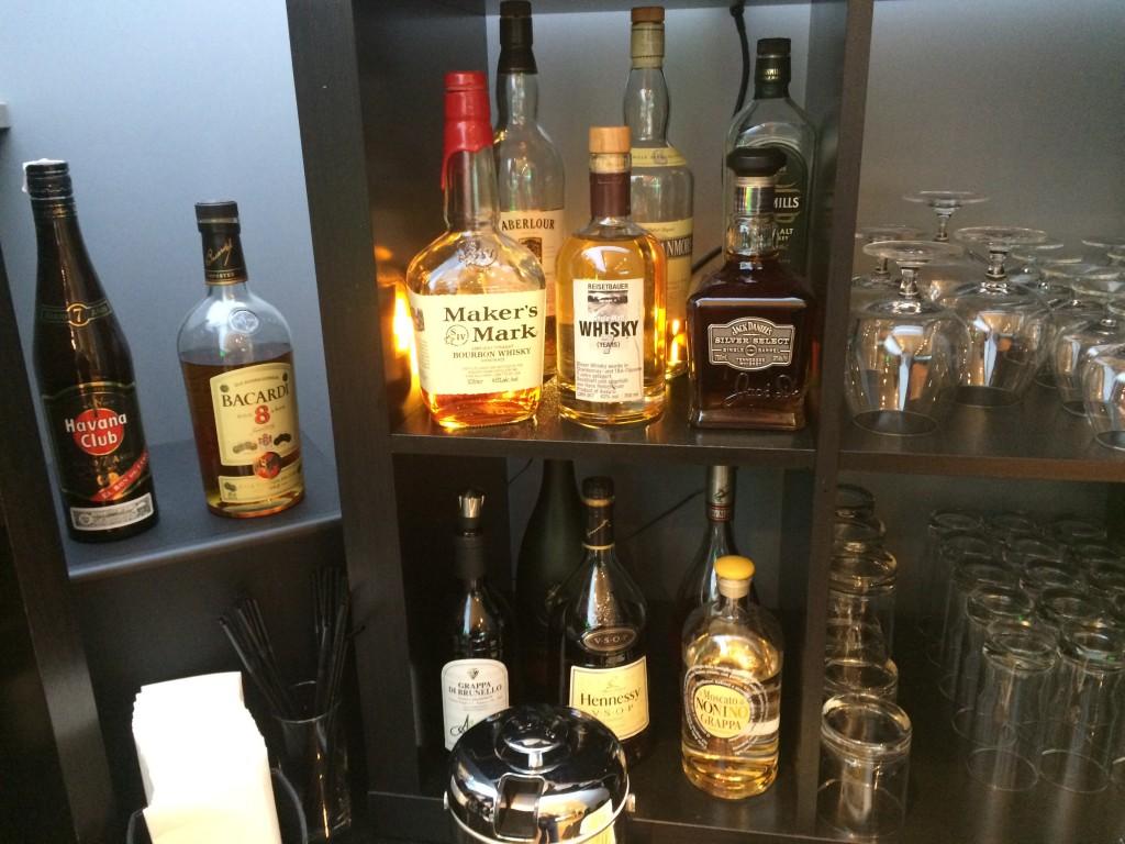 Austrian HON Circle Lounge Bar