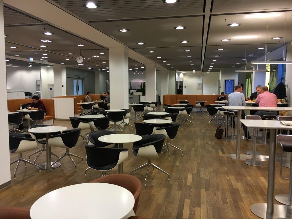 Lufthansa Senator Lounge Frankfurt Terminal 1B - Bistrobereich