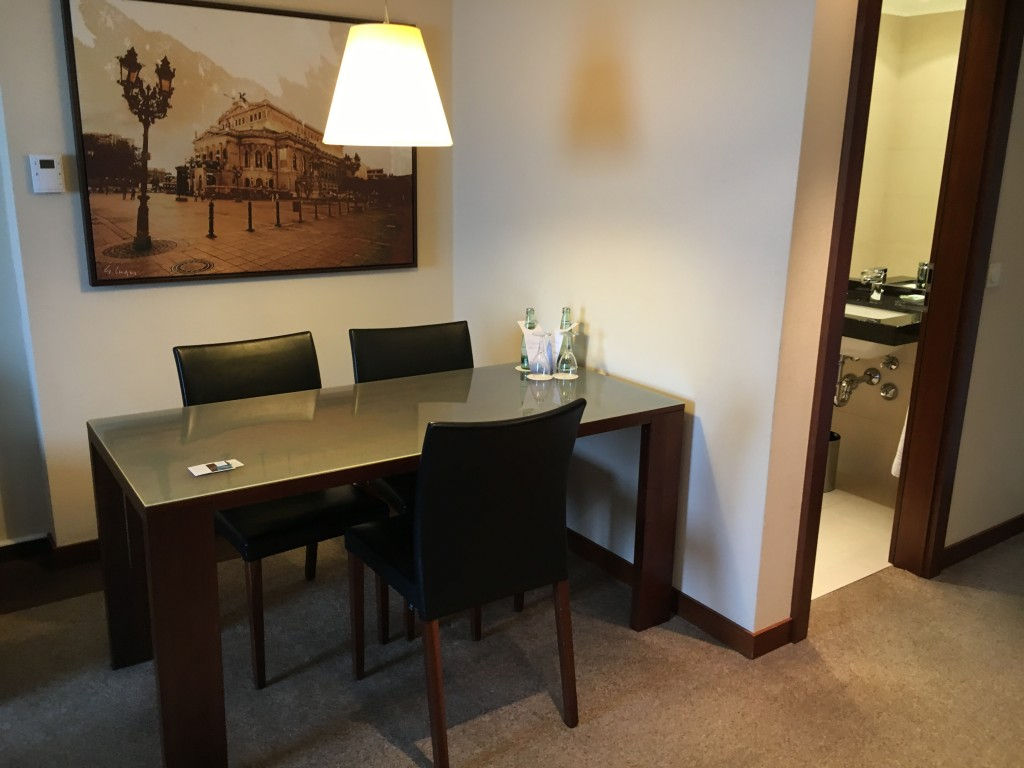 Westin Grand Frankfurt Junior Suite - Wohnzimmer