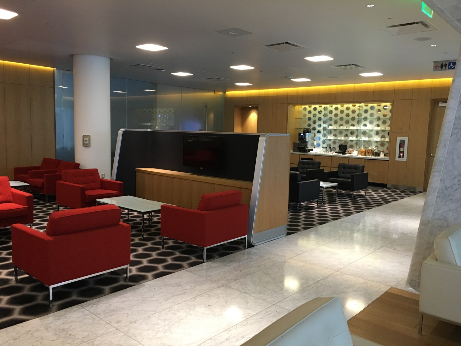 4 und 5 Qantas FirstClass Lounge Sessel - 2