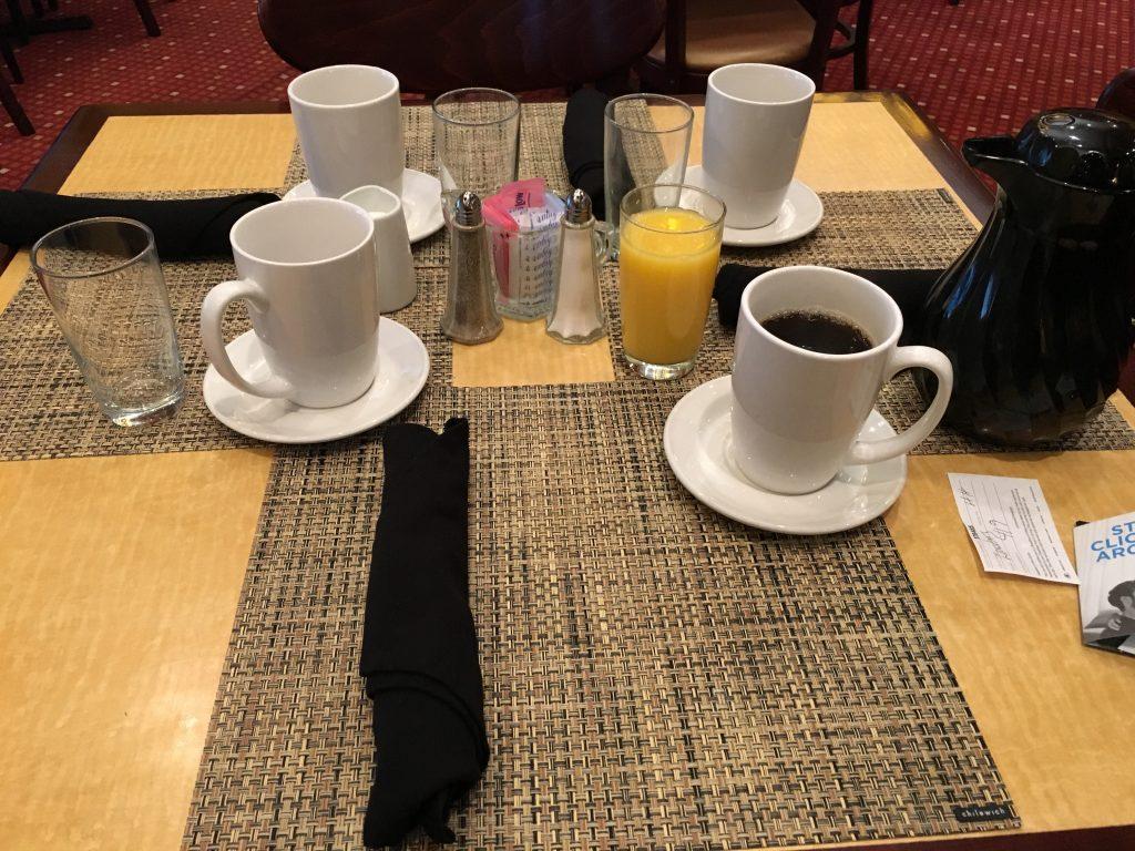 Hilton Cincinnati CVG Airport- Frühstück