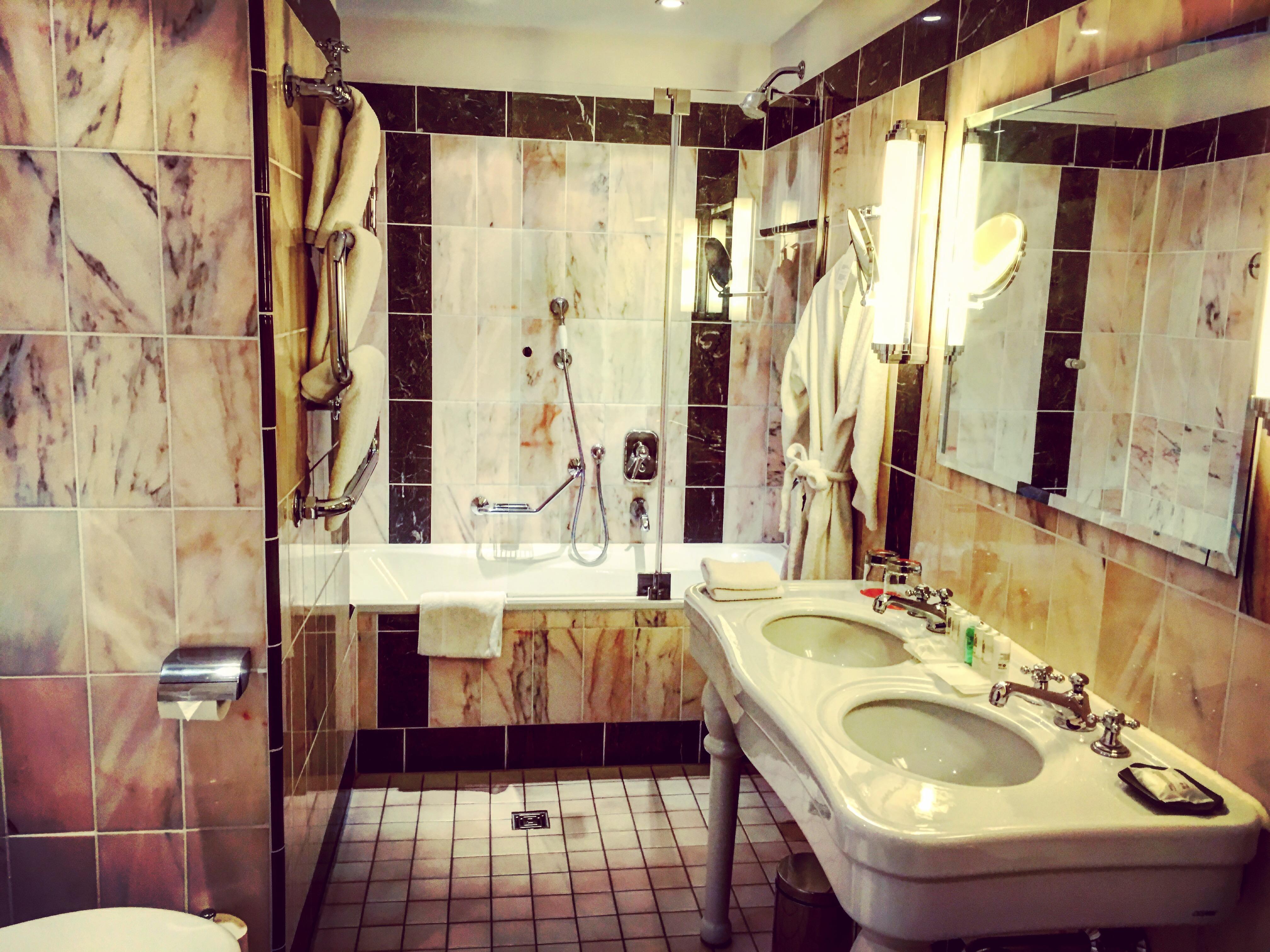 Le Méridien Grand Hotel Nürnberg_Junior Suite Badezimmer ...