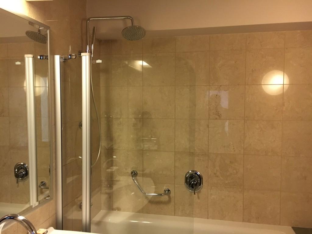 Sheraton Prague Club Premium Suite Badezimmer
