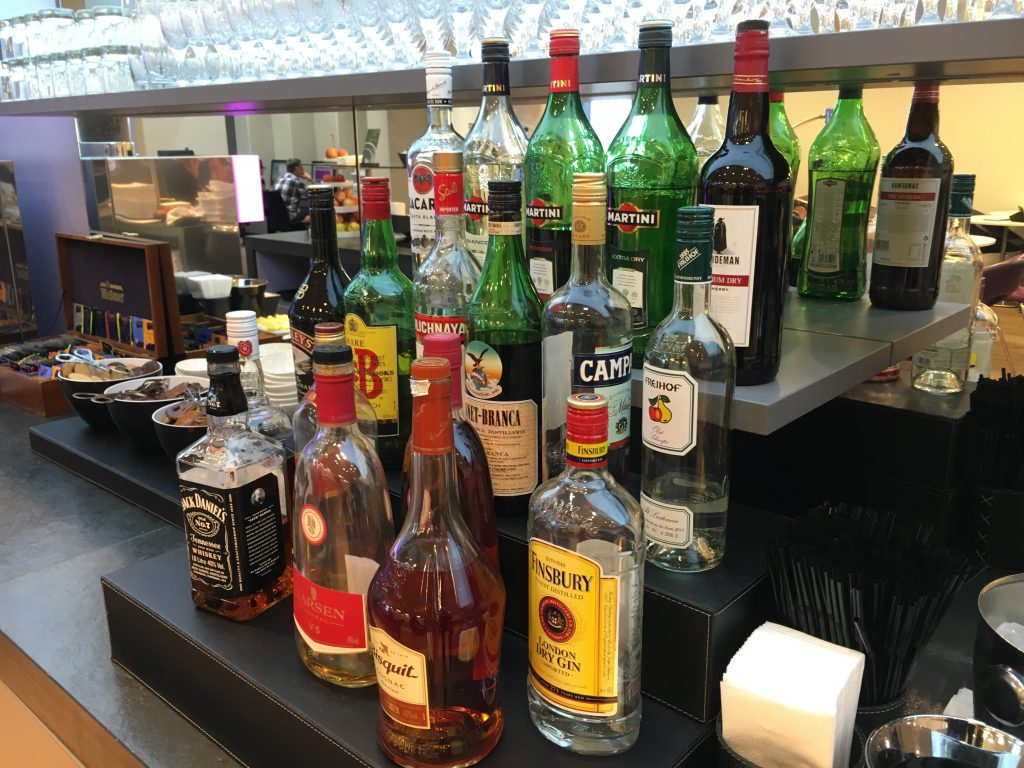 Austrian Airlines Senator Lounge Wien_Spirituosen