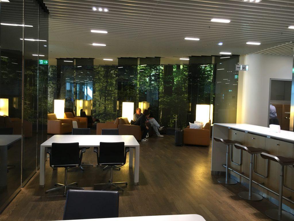 Lufthansa Senator Lounge Frankfurt Abflugbereich A Bistro-Bereich