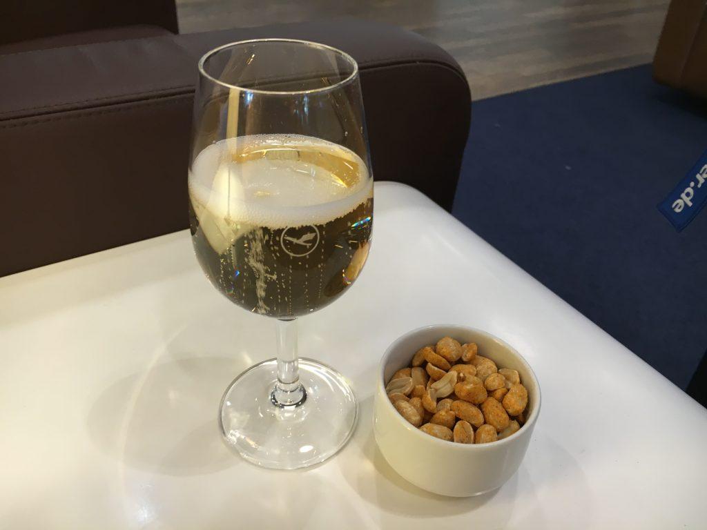 Lufthansa Senator Lounge Frankfurt Abflugbereich A Champagner