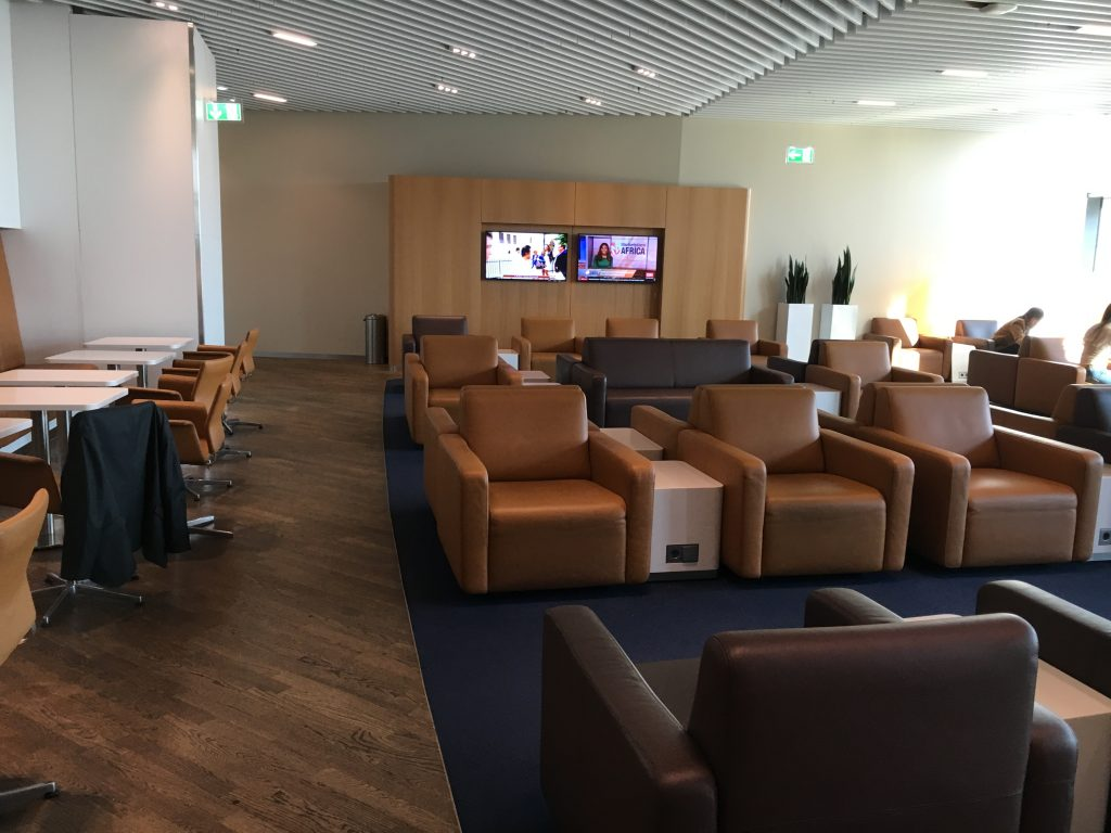 Lufthansa Senator Lounge Frankfurt Abflugbereich A Sessel