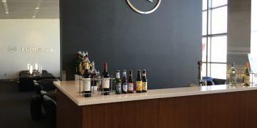 Lufthansa Senator Lounge IAD-Bar
