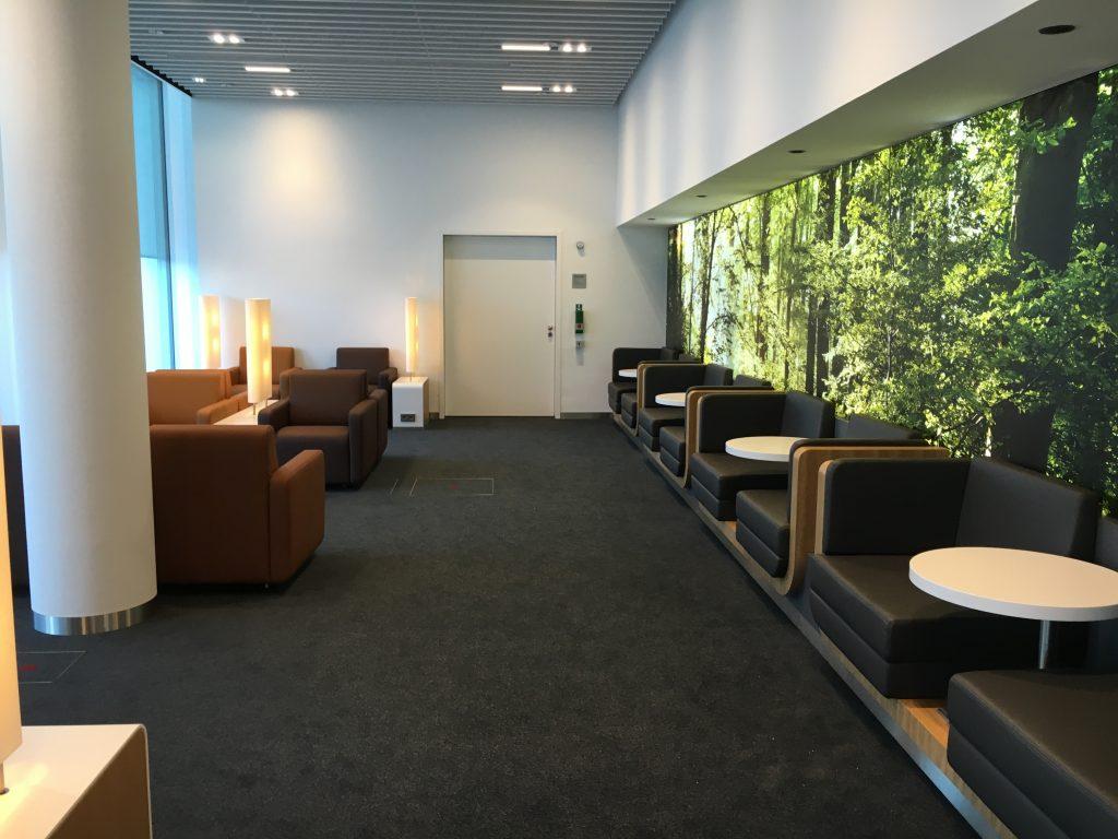 InsideFlyer Wochenrückblick Lufthansa Senator Lounge München Satellit Schengen Sitzmöglichkeiten