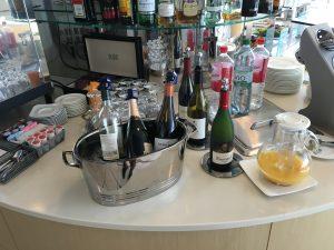Lufthansas Senator Lounge Dertoit DTW-Drink1
