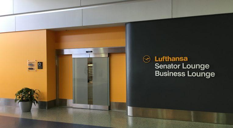 Lufthansas Senator Lounge Dertoit DTW- Eingang