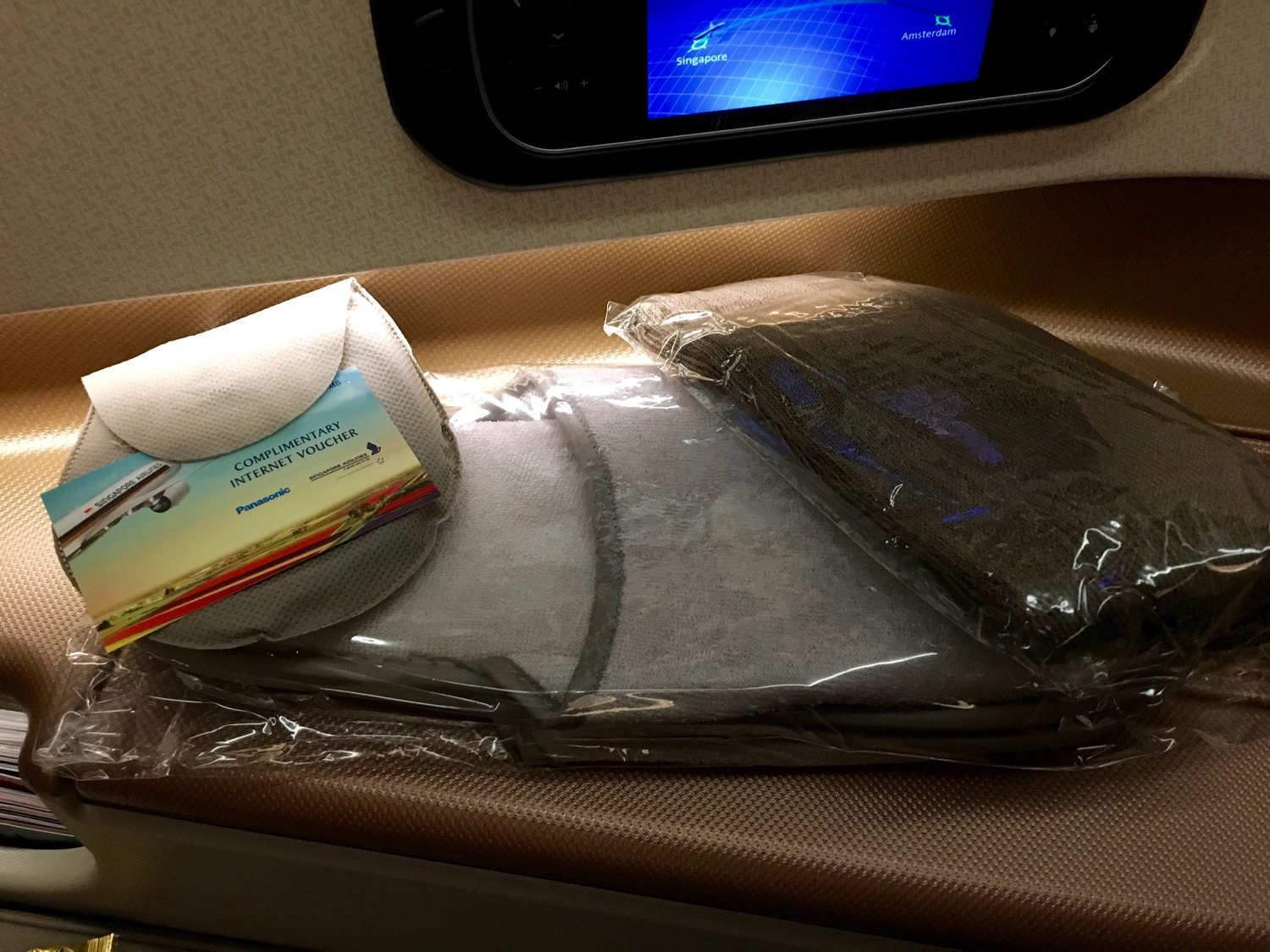 Singapore Airlines A350 Business Class Amenities - 1