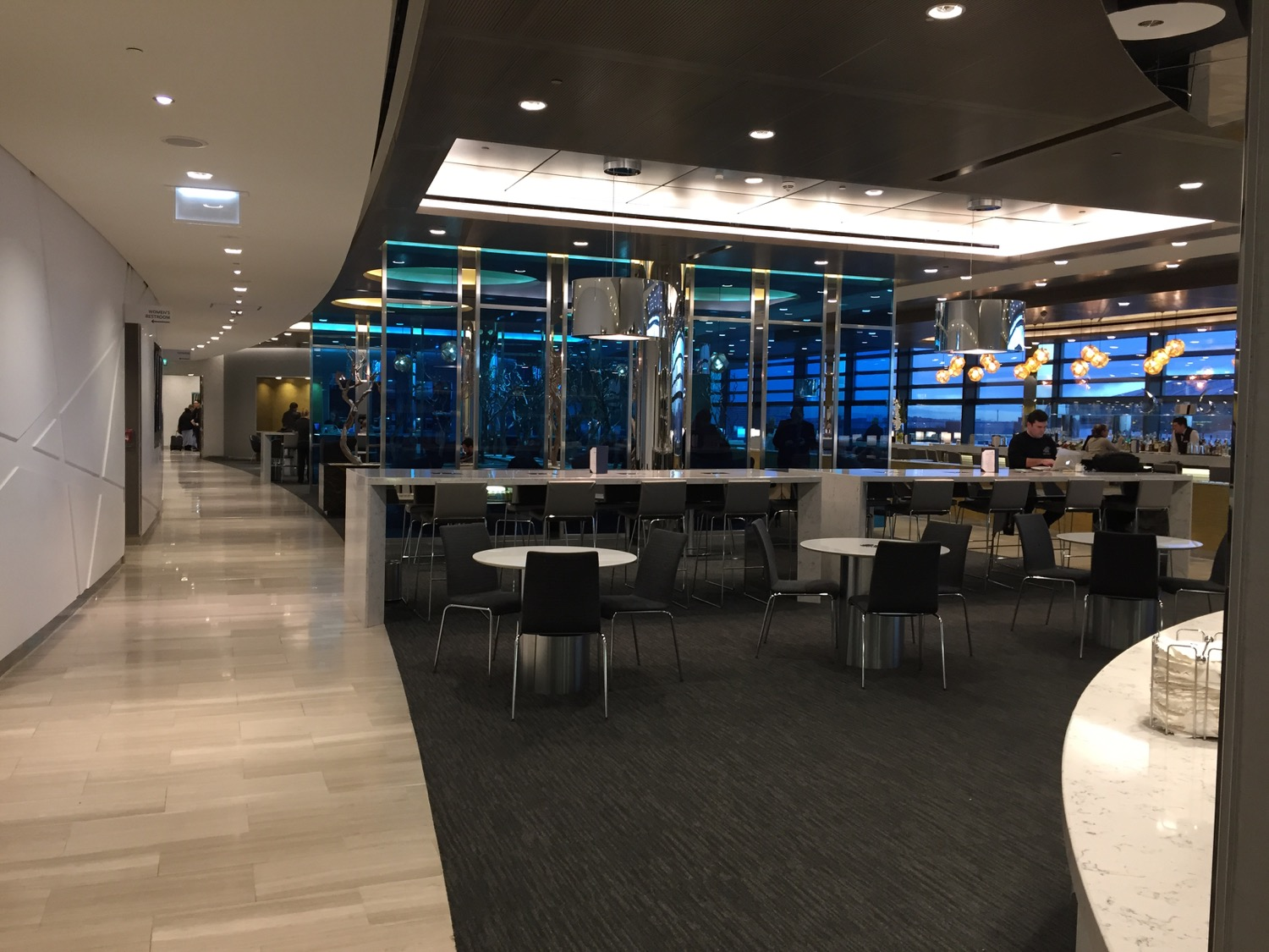 United Club London Heathrow T2 - - 14