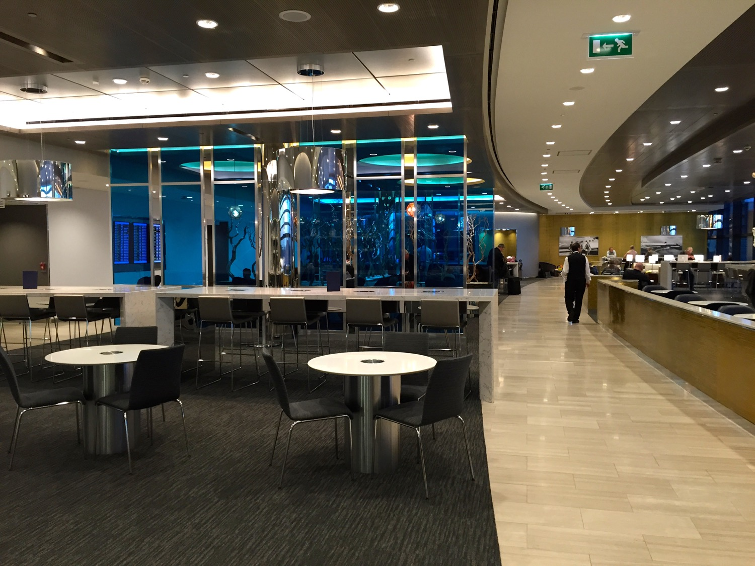 United Club London Heathrow T2 - - 7