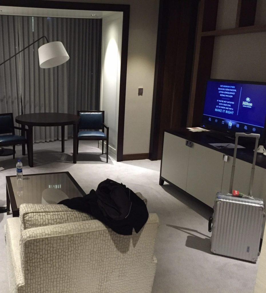 Hilton Istanbul Bomonti  - Wohnzimmer (Taksim-Suite)
