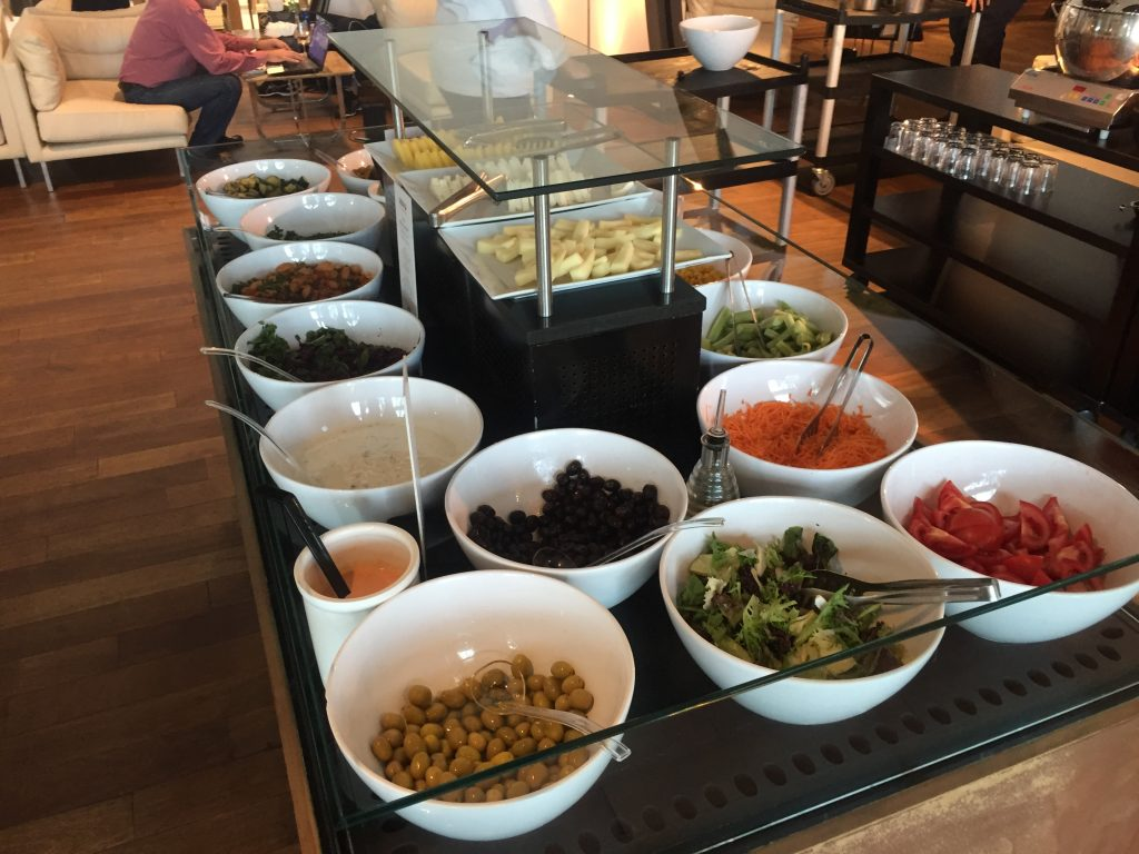 Turkish Airlines CIP Lounge- Salatbuffet