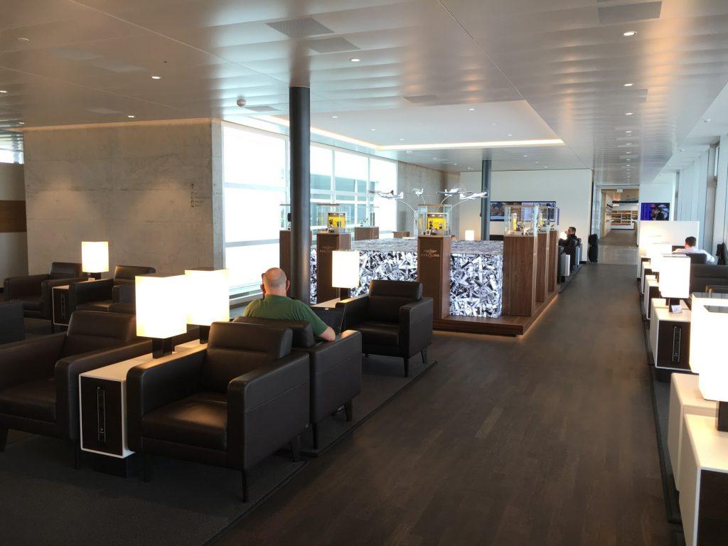 SWISS Senator Lounge Zürich Dock E Sitzbereich