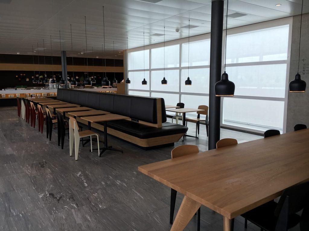 SWISS Senator Lounge Zürich Dock E Bistrobereich