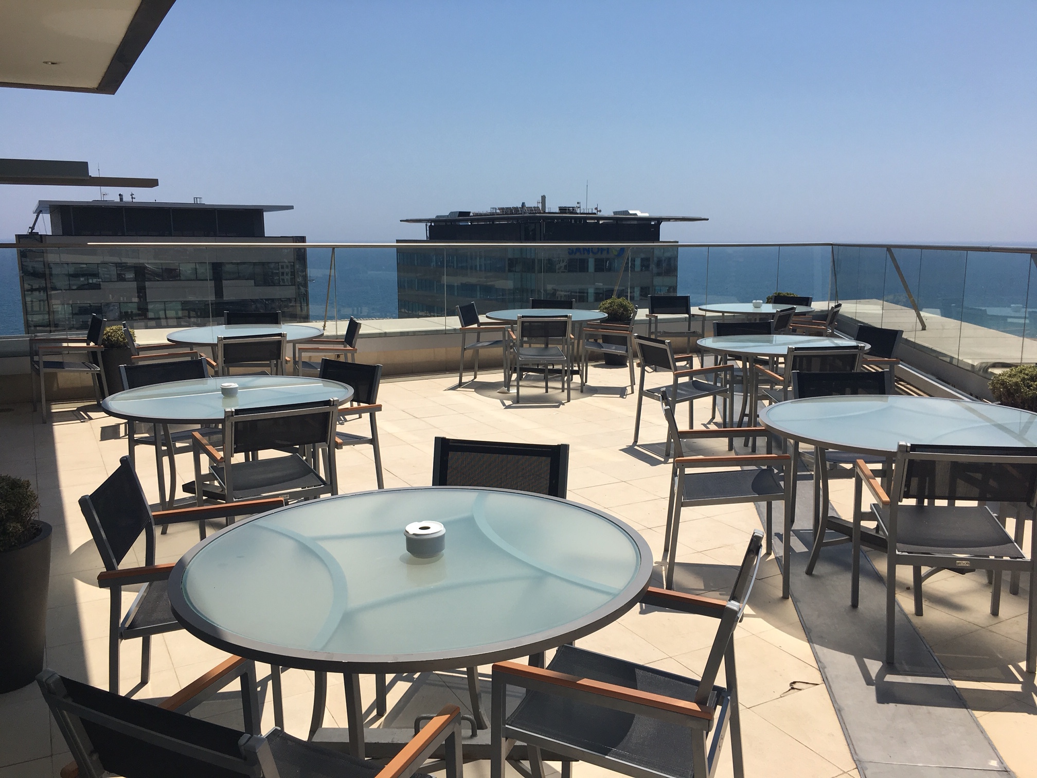 Hilton Barcelona Diagonal Mar Executive Lounge Terrasse