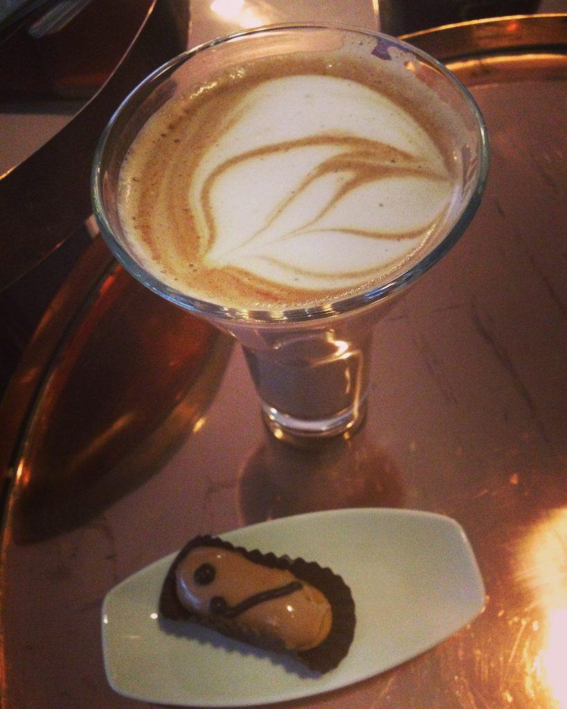 Le Meridien Istanbul Etiler Bar Cafe
