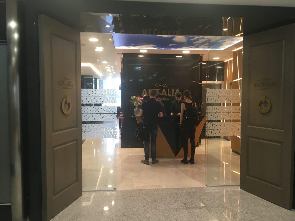 Casa AlItalia Lounge Mailand Eingang