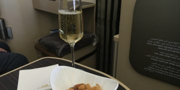 InsideDeals Etihad Airways Business Class Aperitif