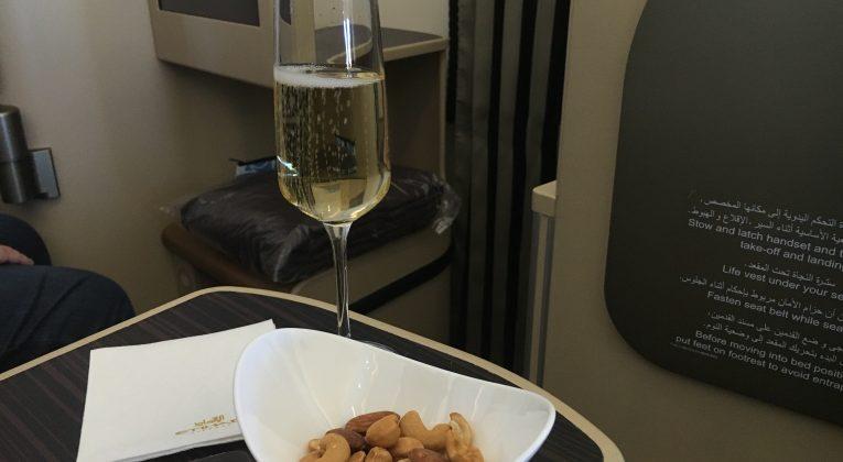InsideDeals Etihad Airways Business Class Aperitif
