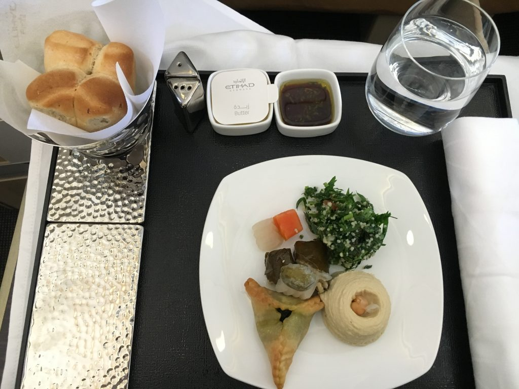 Etihad Airways Business Class Vorspeise Arabic Mezze