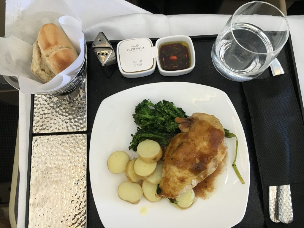 Etihad Airways Business Class Hauptgericht Chicken