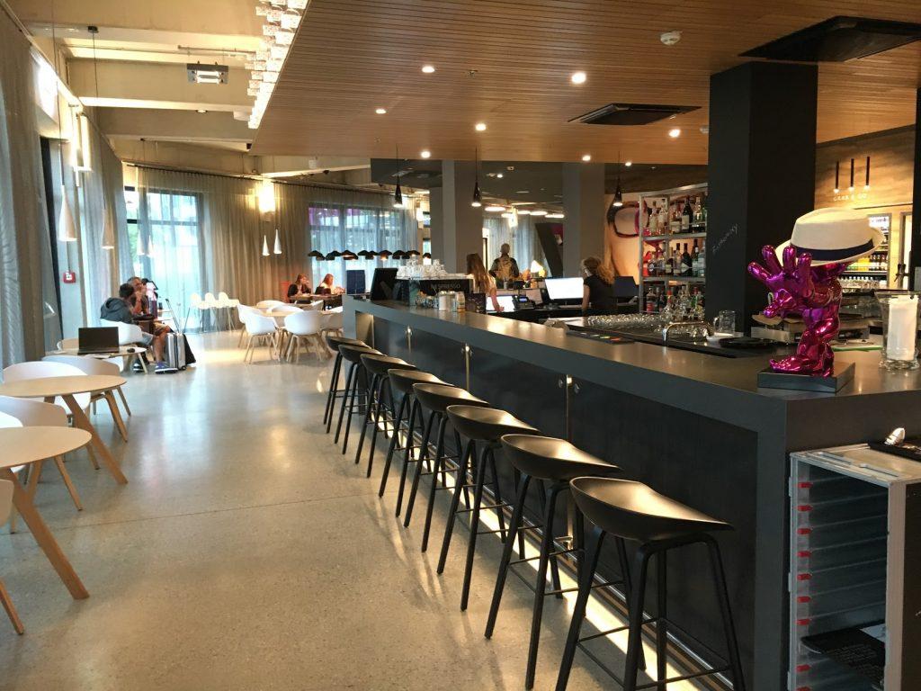 moxy Munich Airport Bar