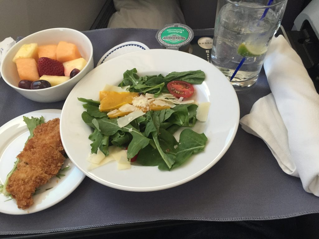 Unität Airlines Domestic First Class - Catering