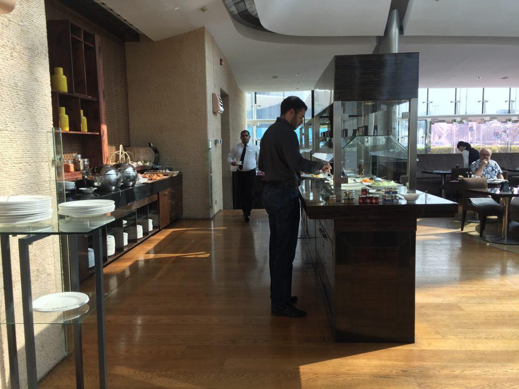 Hilton Capital Grand Abu Dhabi - Frühstücksraum