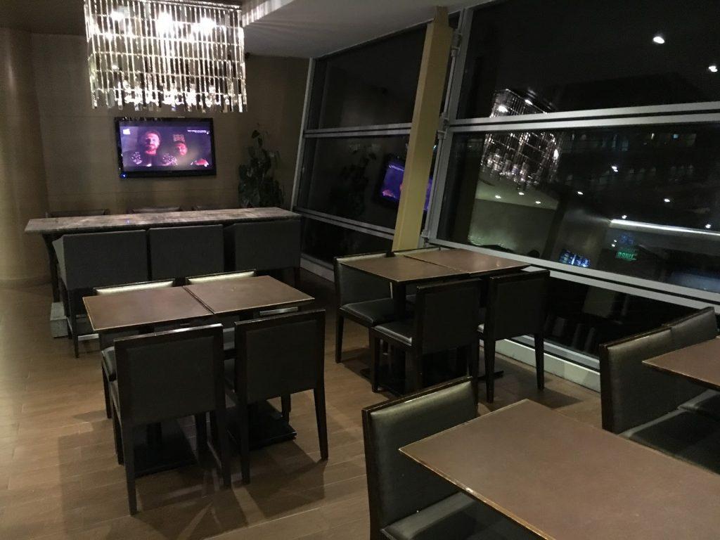 Plaza Premium Lounge Kuala Lumpur Bistrobereich