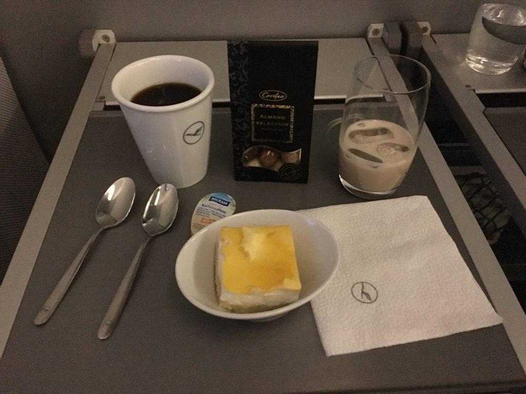 Lufthansa Business Class Nachtisch