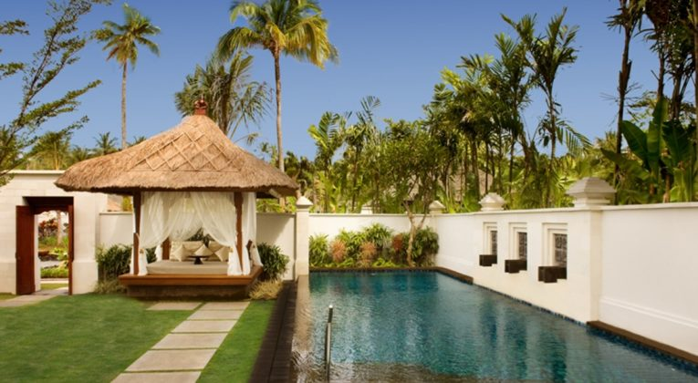 SPG Hot Escapes The Laguna Bali