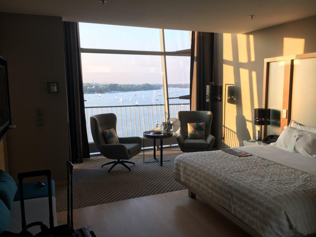 Le Méridien Hamburg Panorama Suite