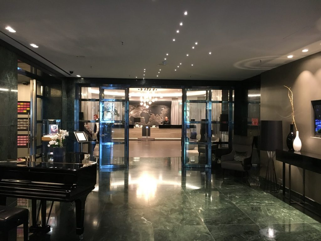 Le Méridien Hamburg Lobby