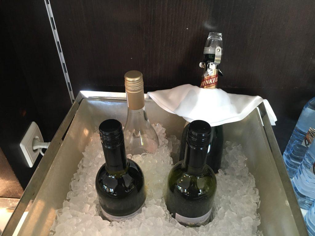 Sheraton Grand Salzburg Etage 7 Club Lounge Wein