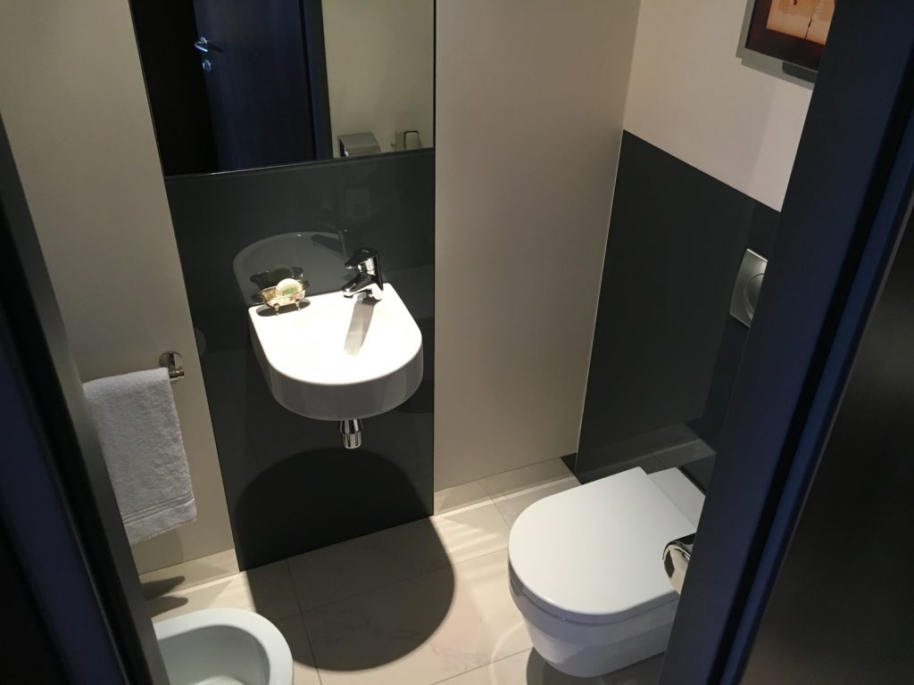 Sheraton Grand Salzburg Sky Suite Toilette