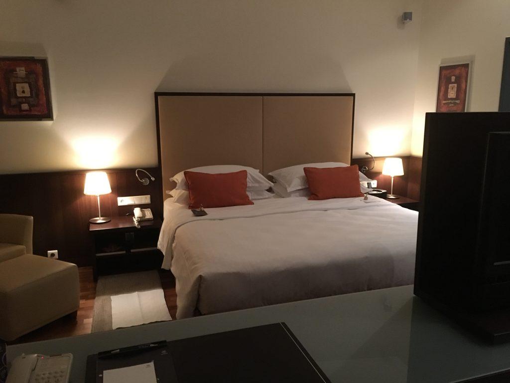 Sheraton Grand Salzburg Suite Schlafzimmer