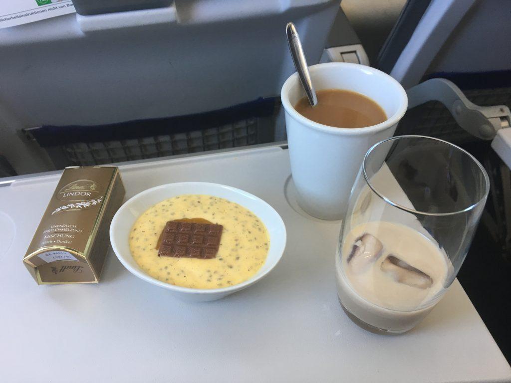 Lufthansa Business Class Kaffeeservice
