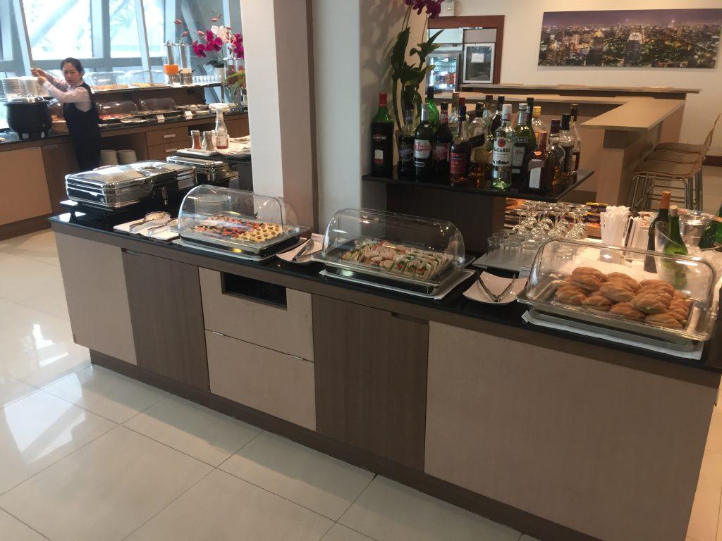 Air France Lounge Bangkok Buffetbereich