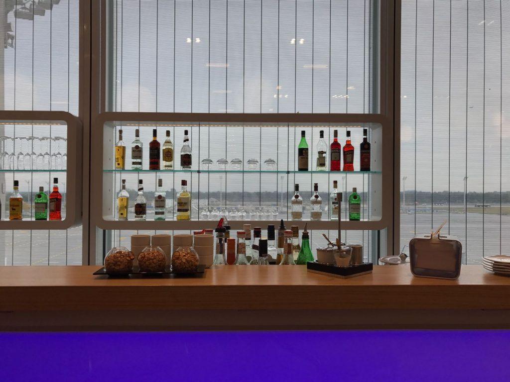 Lufthansa Senator Lounge München L Bar