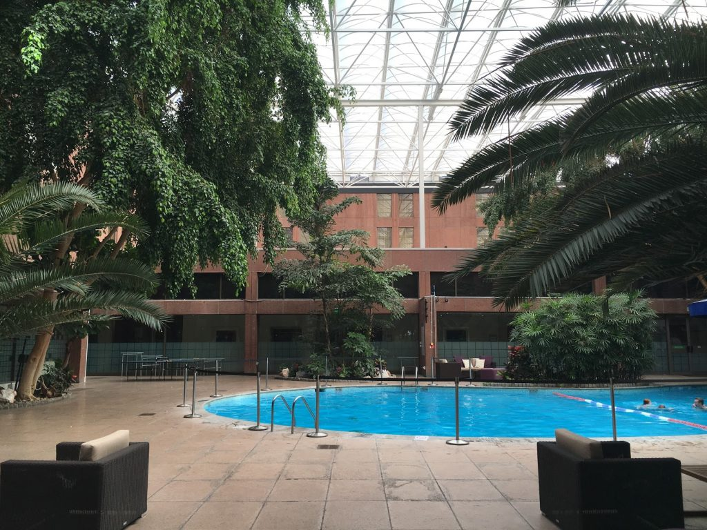 Sheraton Skyline London Pool